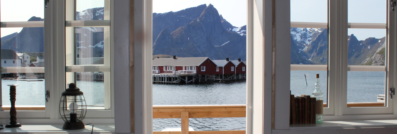 View from liviongroom over Hamnøy harbour and Reinefjord